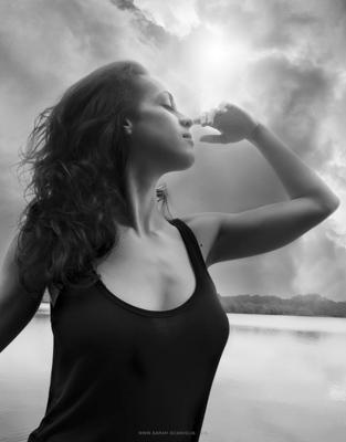 Sarah Scaniglia, photographe-retoucheur professionnel - Nantes Portraits, publicité, corporate, reportage, produits, postproduction, culinaire, industrie, postproduction, formations. Photographe nantes, communication...
