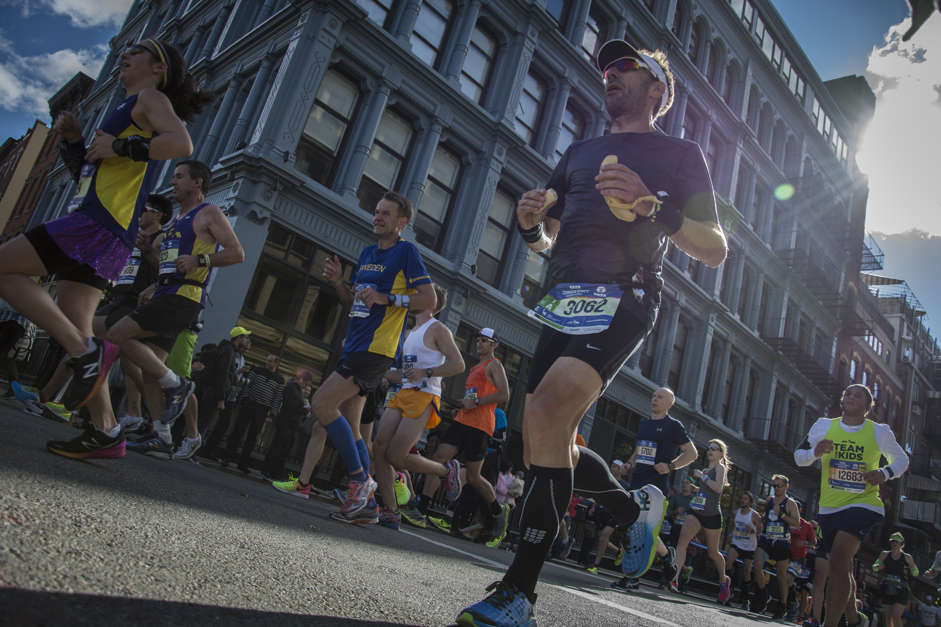New York marathon 2016. Sarah Scaniglia, photographe-retoucheur professionnel - Nantes Portraits, publicité, corporate, reportage, produits, postproduction, culinaire, industrie, postproduction, formations. Photographe nantes, communication...